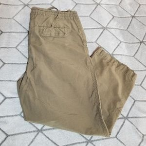 B29 Columbia women's capri pants green size M zip